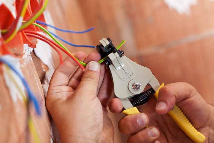 Collegamento cavi elettrici
